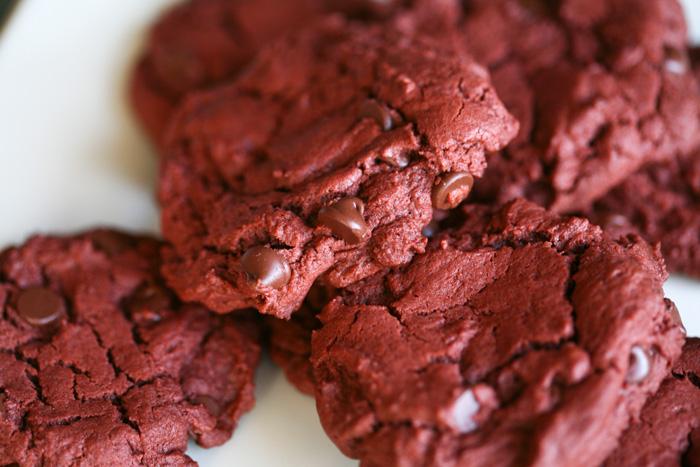 red-velvet-cookies